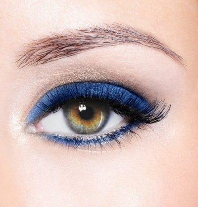 Close_up_eye_-_Blue.jpg