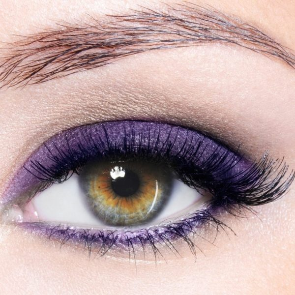 Close_up_eye_-_Amethyst.jpg