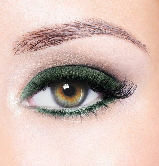 Close_up_eye_-_Emerald_1024x1024.jpg